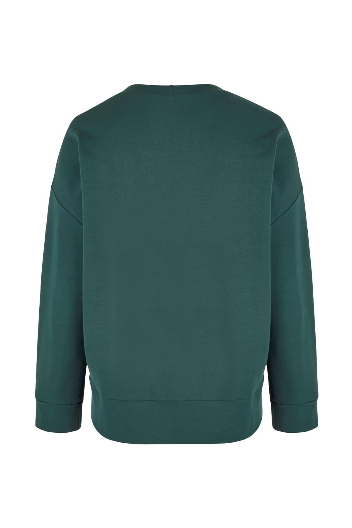 sweatshirt green back